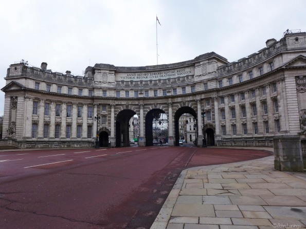 Admiralty Arch, opposite the Buckingham Palace