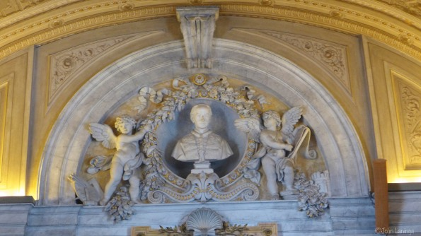 Even the ceilings have statues
