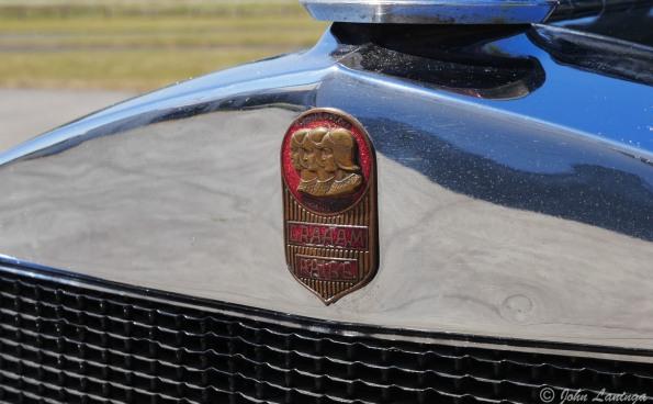 Closeup uf the Graham-Paige emblem