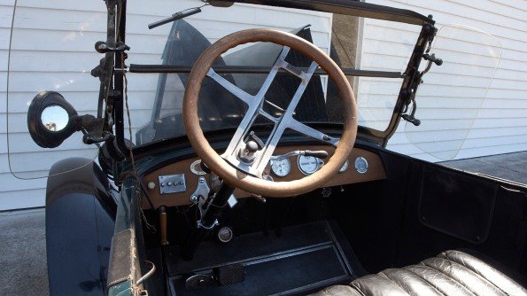 Now that is a real tilting steering wheel!