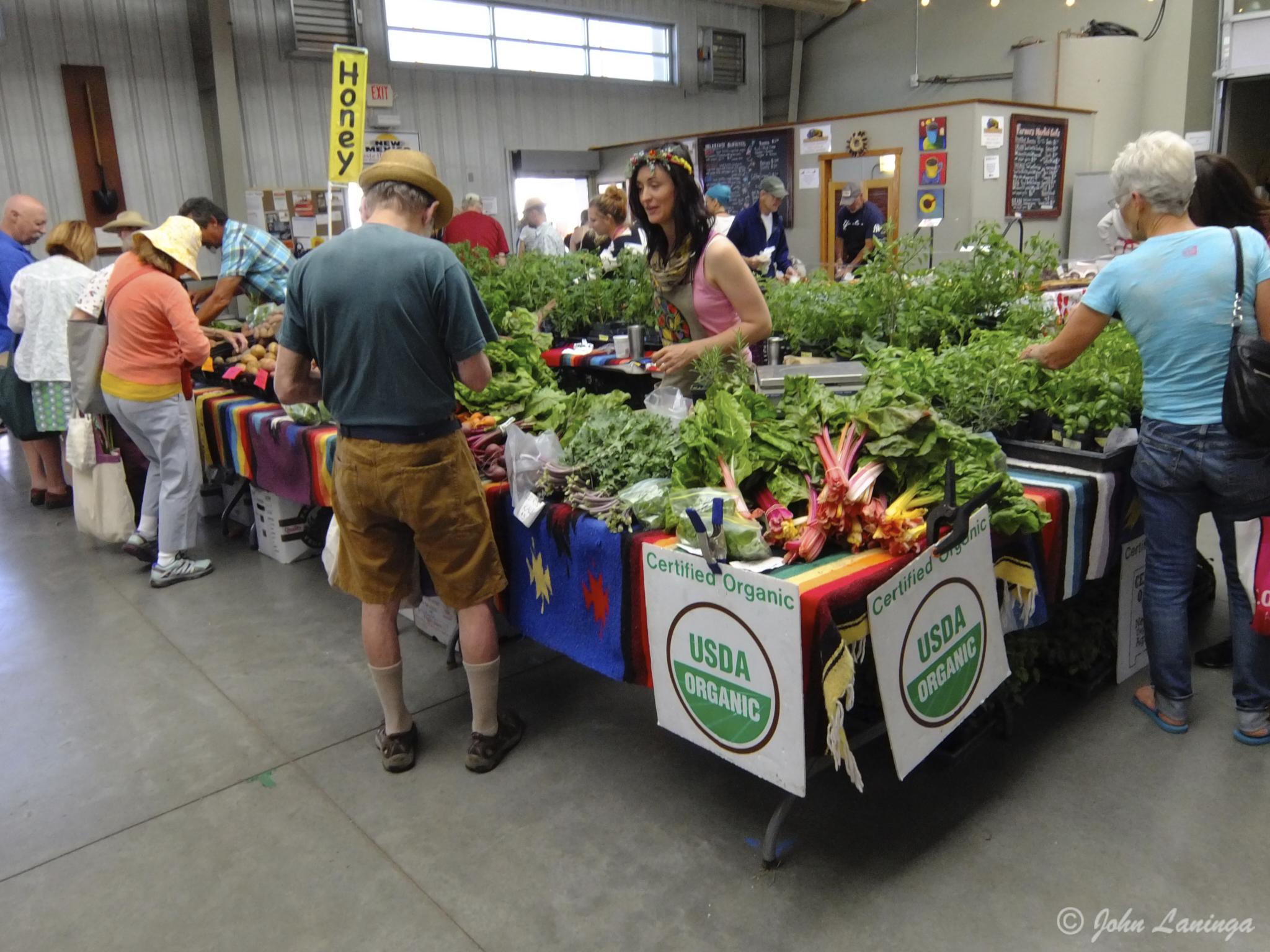 Thriving  farmers market