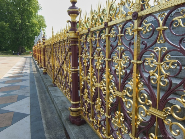 Fancy railing (Prince Albert Monumentl)