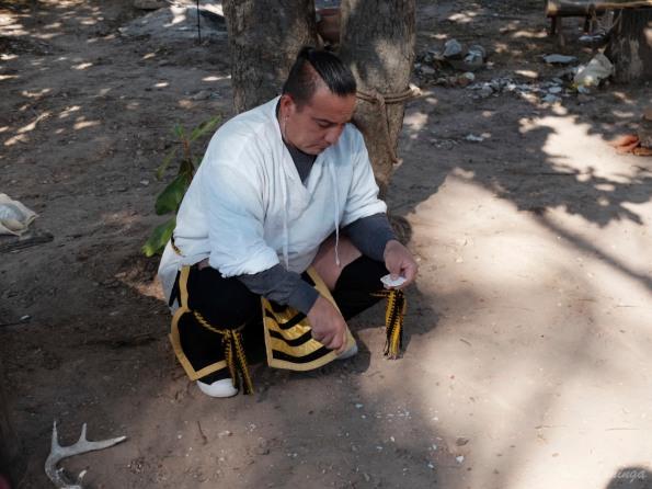 Our guide making flint arrow heads