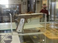 Bonnie's (of Bonnie and Clyde fame) personal pistol found in her lap after she was shot