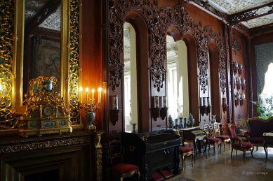 Yusùpov Palace drawing room wall