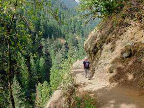 Hiking back along the edge
